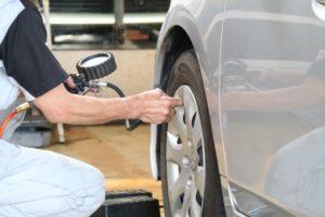 タイヤ 空気圧 チェック 入れ方
