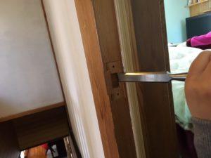 ドアの受け側